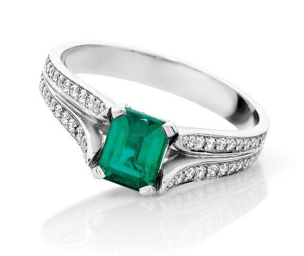 Esmeralda - Emerald & diamond split band ring