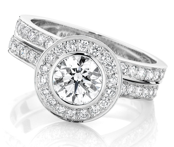 Glory Halo Forever diamond engagement ring