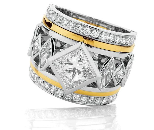 Golden Iconic diamond engagement ring
