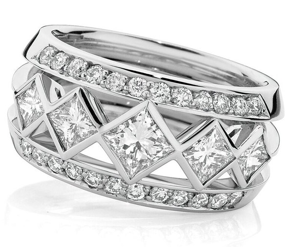 Iconic Princess diamond dress ring