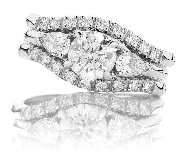 Nashi Pear Forever round & pear triology wedding set