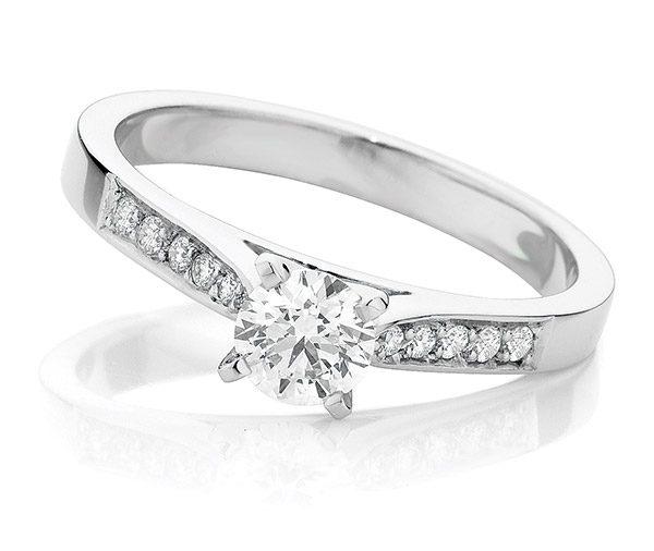 Nova Brilliant diamond engagement ring