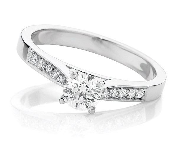 Nova Brilliant diamond engagement ring