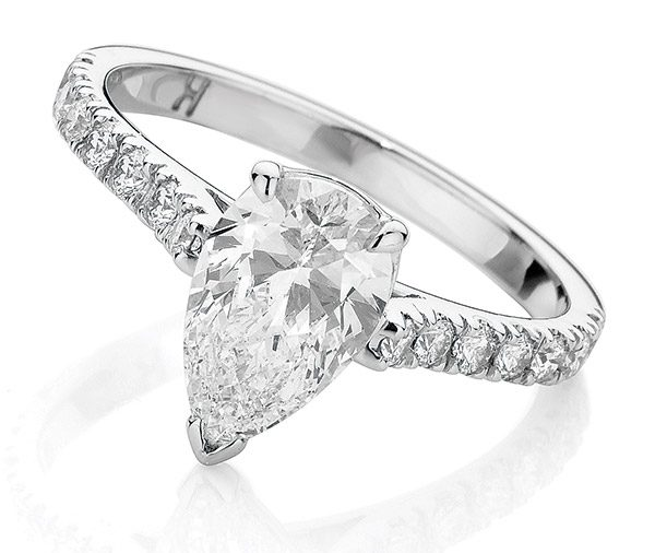Nova Pear diamond ring