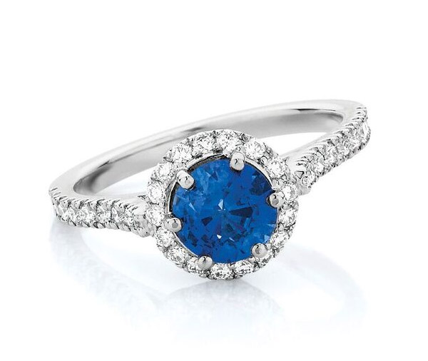 Oxford Circle - Round sapphire halo diamond ring