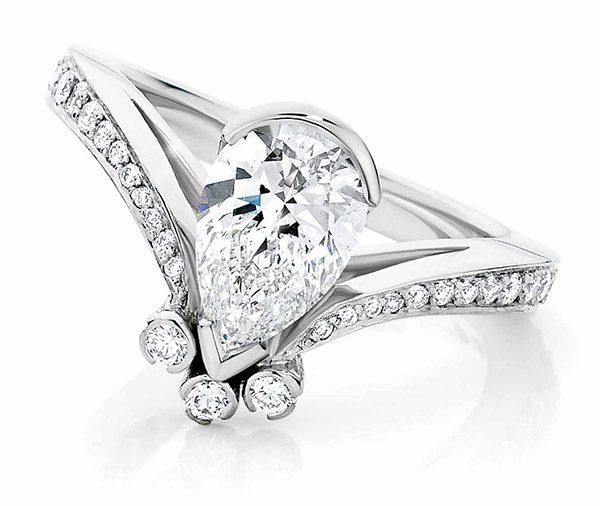Pear Point diamond 'V' ring