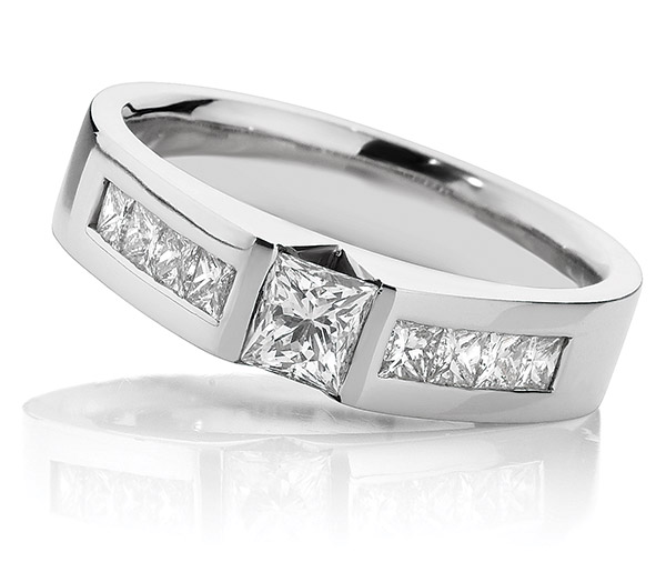 Princess Polly V style princess cut ring