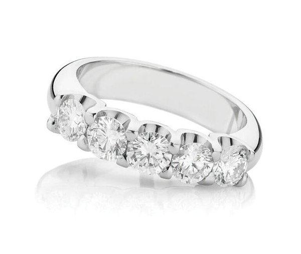 Quinate Sparkle diamond enegagement ring