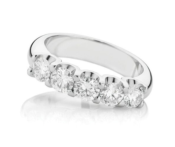 Quinate Sparkle diamond enegagement ring
