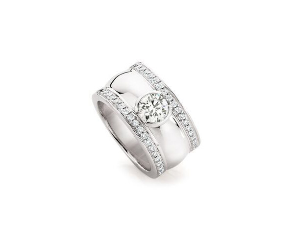 Rebel Ring - Semi bezel round diamond ring