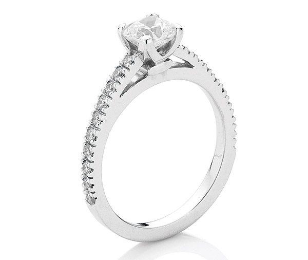 Round Cushion - Cushion cut diamond ring