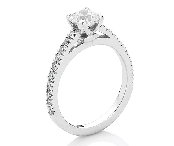 Round Cushion - Cushion cut diamond ring