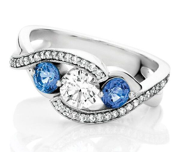 Twisted Sista Trilliant sapphire & diamond twist engagement ring