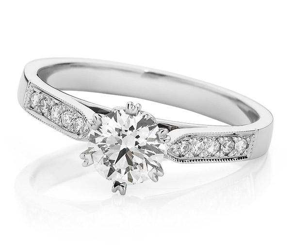 Vintage Fair Round solitaire diamond ring