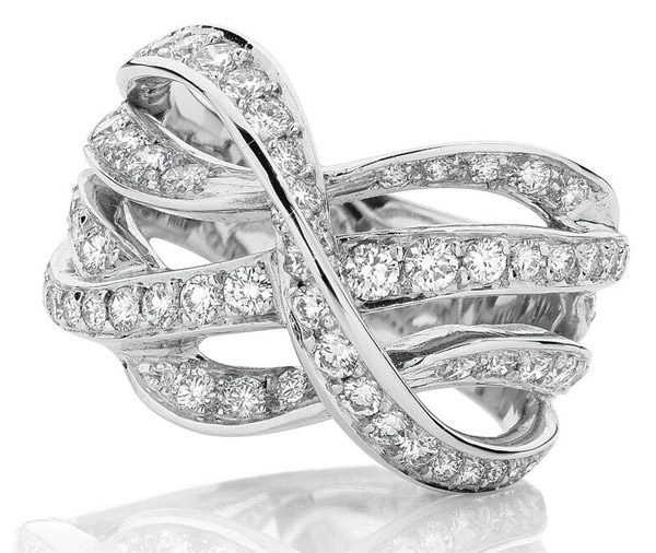 Wave Grain twisted wave diamond ring