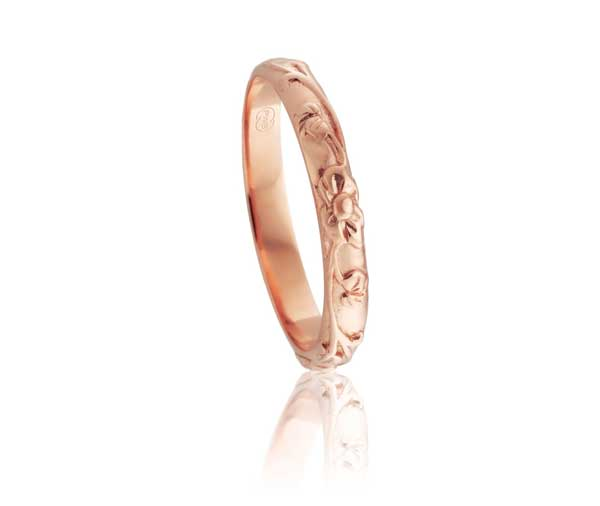 Half rounded rose gold ring with antique style full circle relief vine pattern