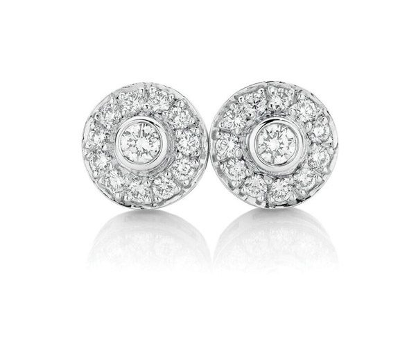 Diamond Halos: round diamond cluster studs