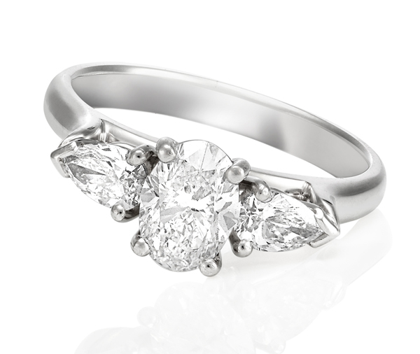 Fiona diamond engagement ring