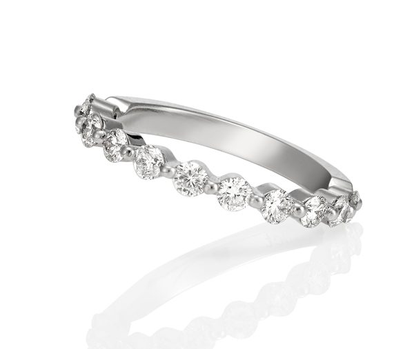Sparkling Round: Single Claw Set Diamond Wedding Band