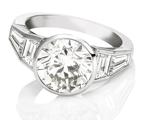 Wendy: white gold art deco style diamond engagement ring